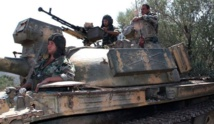 Thousands flee Syria army advance in north
