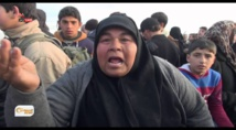 Thousands flee anti-IS offensives in Iraq and Syria