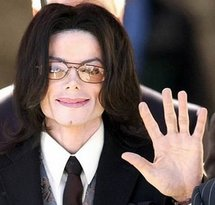 Judge approves auction of Michael Jackson's goods
