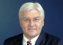 Stop settlements or sacrifice Mideast peace: German FM