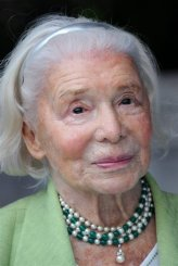 Madame Carven, petite women's favourite designer, turns 100