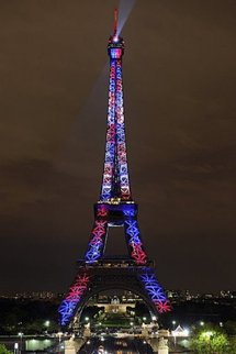 Eiffel Tower glitters and dazzles for New Year's Eve
