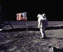 US lawmakers urge Obama to save NASA moon program
