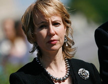 Wounded US lawmaker breathing without ventilator