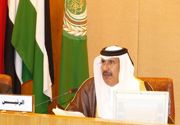 Arab League holds 'frank' talks with Assad as 19 killed