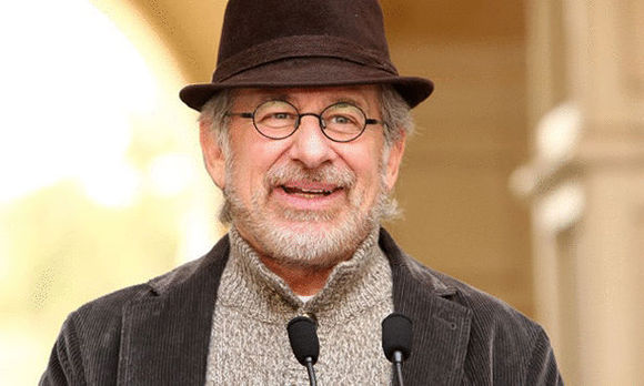 Spielberg seeks 'old-fashioned' spectacle in war film