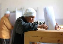 Egyptians vote for Mubarak successor in historic poll