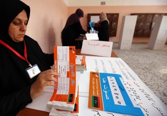 Libya prepares for post-Kadhafi peaceful transfer