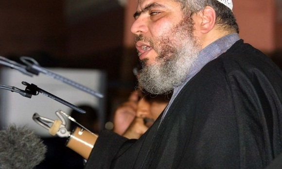 Radical preacher Abu Hamza extradited to US