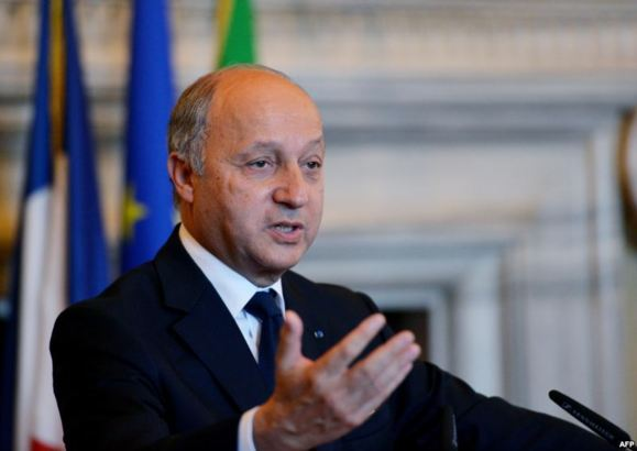 France proposes defensive weapons for Syria rebels