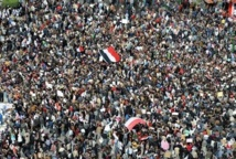 Egypt activists, Islamists settle scores on the streets