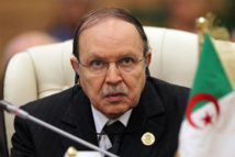 Bouteflika 'reassures' Algerians from hospital