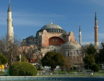 Hagia Sophia: object of admiration and contention