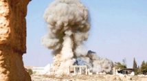 Putin hails Palmyra recapture, trumpets Russian role