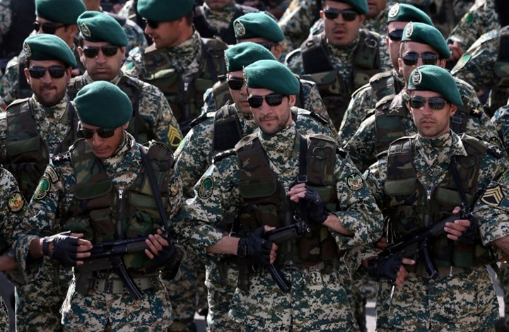 Iran Guards warn Saudis over Gulf war games