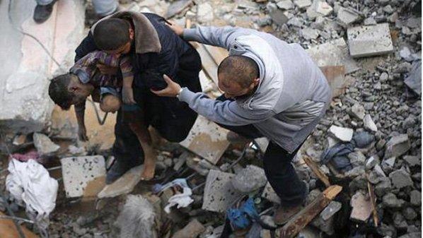 Children lead the way as Raqa families escape jihadists