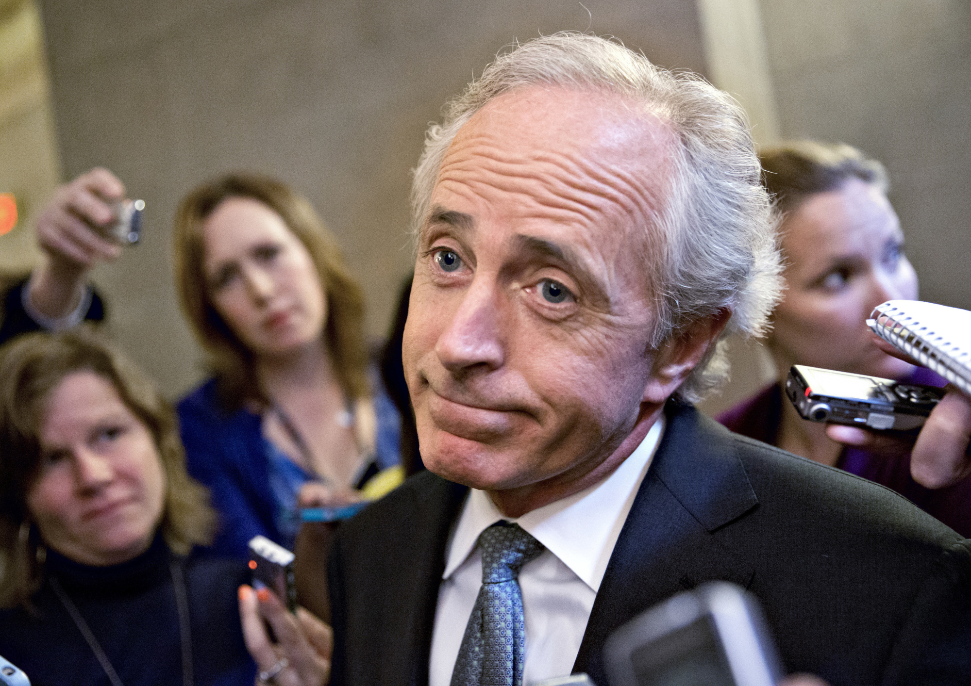 Key Trump critic to quit Senate as president feuds with lawmakers