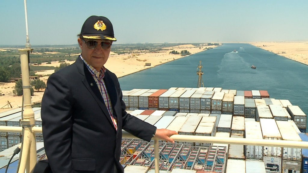 Egypt condemns 26 to death on Suez Canal plot charges