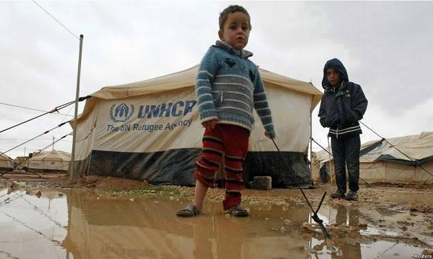 UN delivers first aid to besieged Syrian town since 2012