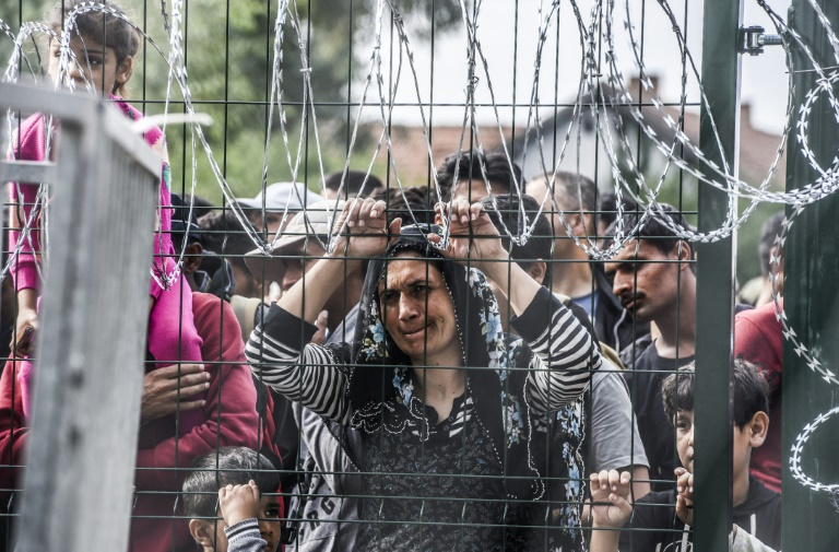 Migrants start arriving in Austria across Slovenian border