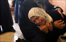 Defiant Israel presses Gaza offensive as toll passes 800