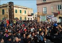 700 illegal migrants break out of Italian centre