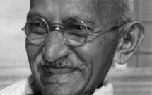 Gandhi glasses 'owner' asks India to negotiate