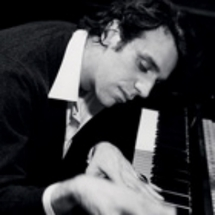 Canadian pianist sets world record with 27-hour concert