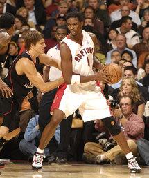 Basketball: Raptors' Bosh eyes NBA free agency in 2010