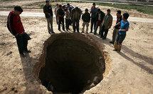 Children risk their lives in Gaza's blockade-busting tunnels