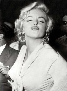 No bidders for eternity with Marilyn Monroe