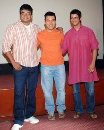R. Mahadevan, Aamir Khan and Sarman Joshi