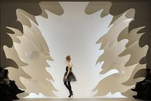 A model presents an outfit at the Vera Wang show during the Mercedes-Benz Fashion Week in New York (AFP/Stan Honda)