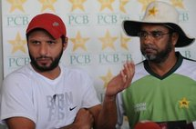 Pakistan coach Waqar Younis (right) and captain Shahid Afridi