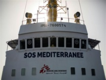 Migrant rescue boat on standby as Italy urges Britain to take it in