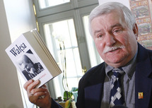 Poland's Walesa offers to accept Nobel for jailed Liu Xiaobo