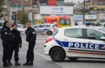 Man arrested after seven stabbed in Paris knife attack