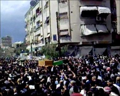 Syria troops kill 20 despite peace deal