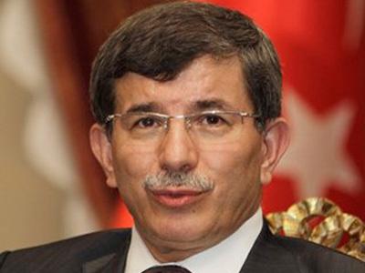 Syria frees prisoners as Turkey raises stakes