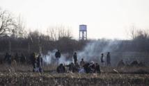 Eyes on 'European dream': Thousands stranded at Turkey-Greece border