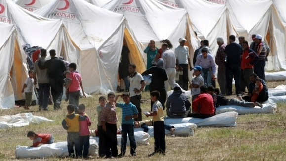 Iraq says unable to support Syrian refugees