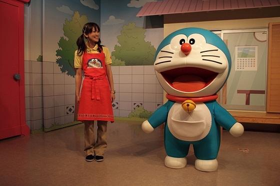 Robot cat Doraemon receives residency in Japan city