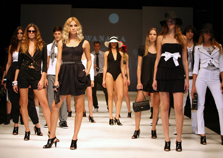 Protesters decry low diversity at Rio Fashion Week