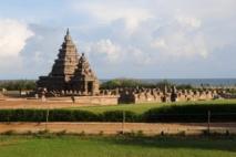 Shore Temple at Mamallapuram, Tamil Nadu. Source of image: http://www.flickr.com/photos/pnglife/. Accessed via Wikipedia.