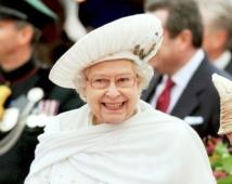 Man arrested for defacing queen's portrait in London
