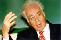 Lebanese 'giant of poetry' Said Aql dead at 102