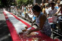 Rio's 450th birthday bash is a piece of cake