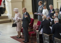 Queen leads Britain's VJ anniversary commemorations