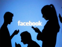 Facebook tweaks search to shine light on hot topics