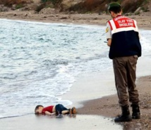 Drowned toddler becomes first 2016 migrant casualty in the Aegean